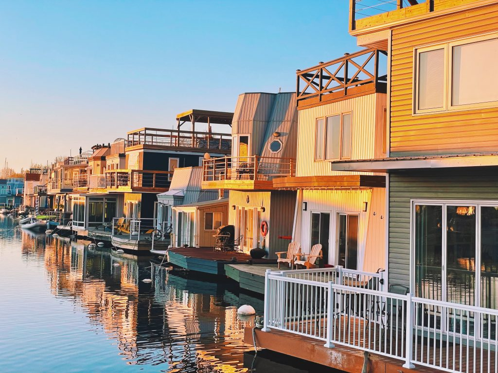 Floating Homes in Toronto